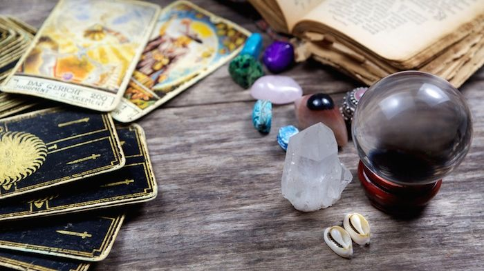 Tarot Readings with Lynne Rivero